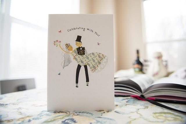 Consejos para diseñar las tarjetas de invitación de una boda